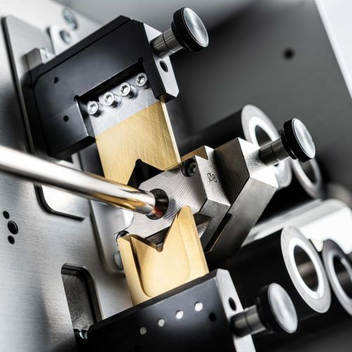 Maszyna do cięcia i odizolowywania Kappa 330 SH i DH